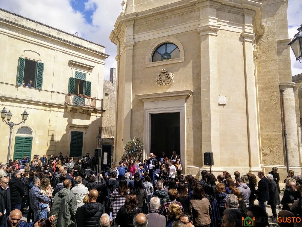 Giovani cantori Passiuna tu Christu in Griko