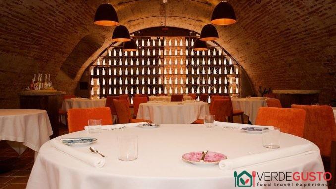 Interno del ristorante Castellana San Giovanni a Salluzzo